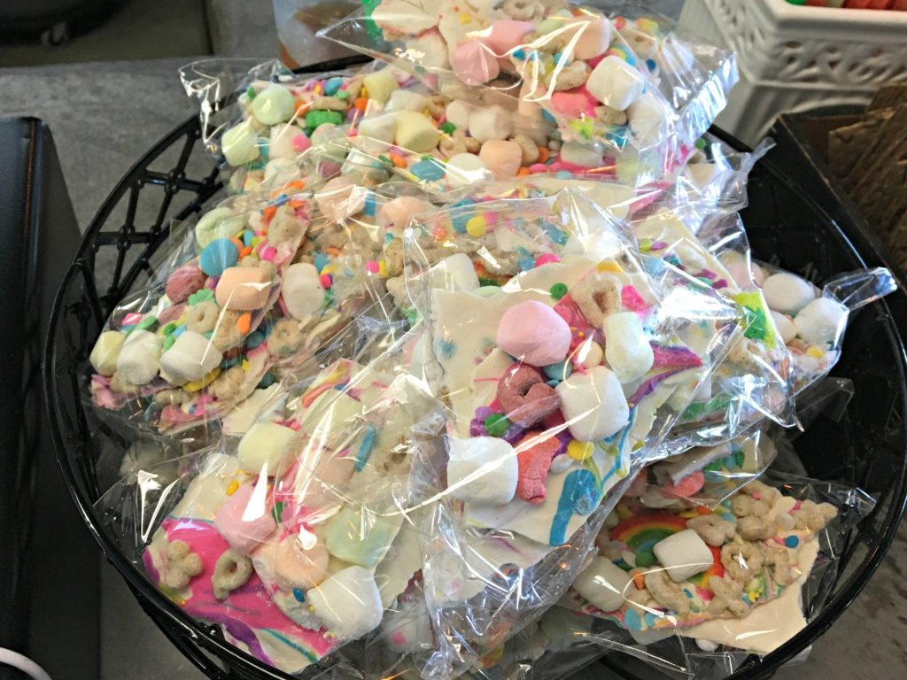 Unicorn Bark at Creme & Sugar
